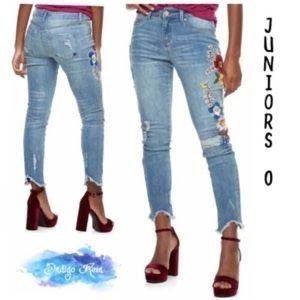 Indigo Rein embroidered frayed hem jeans sz 0